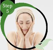 STEP5 うるおう洗顔
